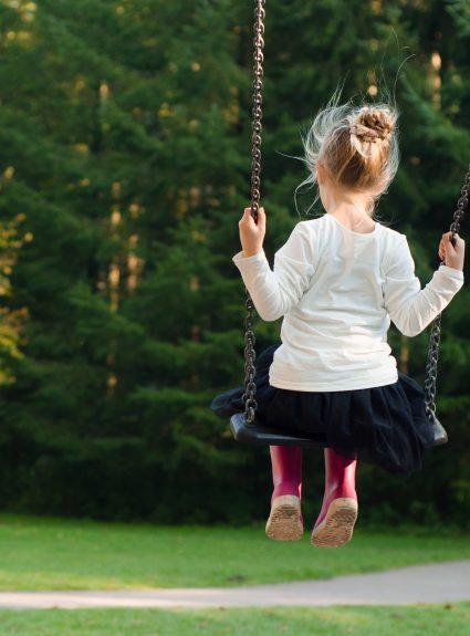 11 ways to calm an anxious child.
