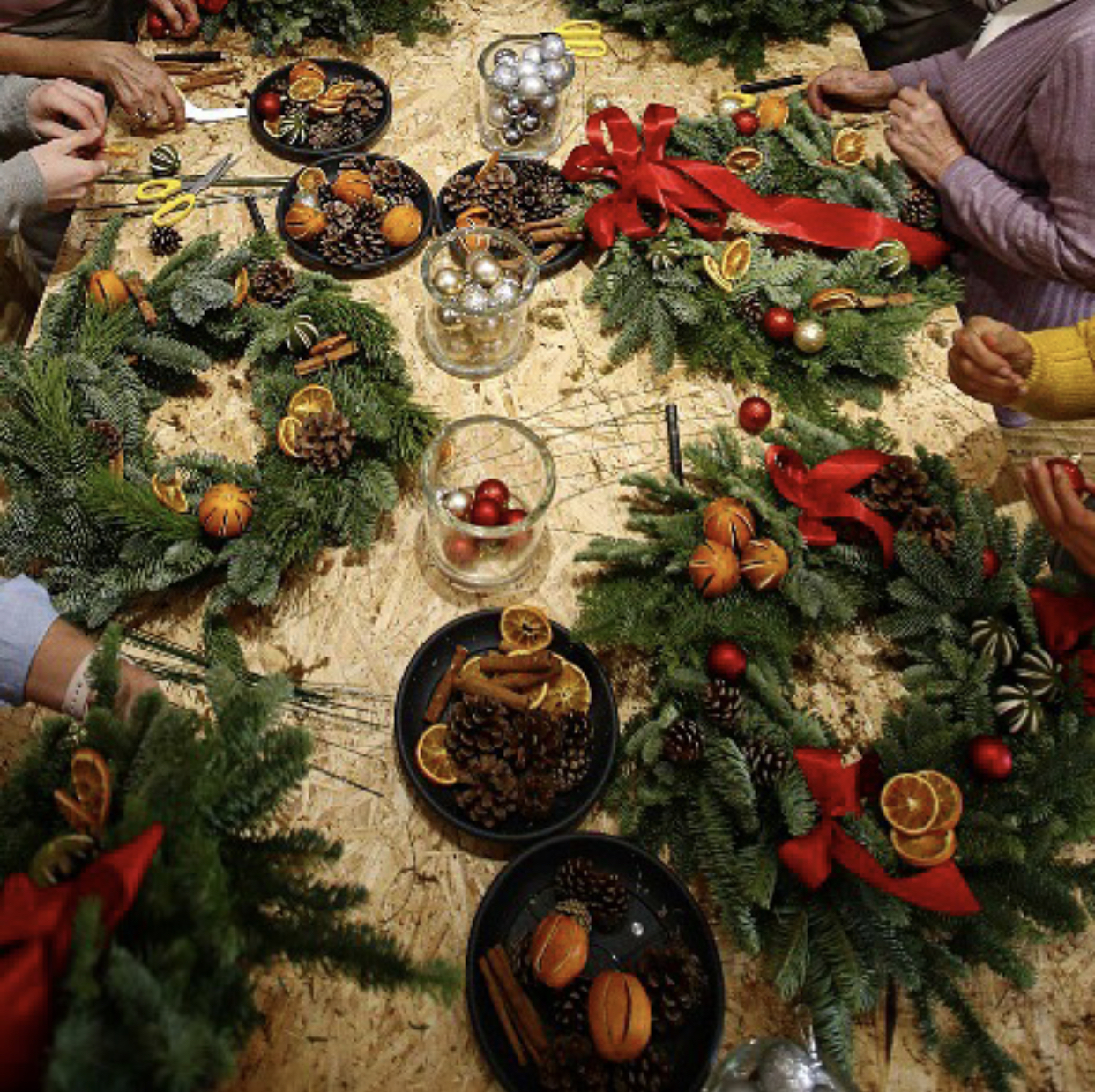 An image of the type of wreath making workshop Florismart UK will be putting on at our Christmas blogger event near Bristol in November.